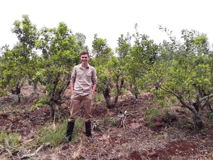 Joaquín, el mejor alumno de escuelas agrarias de Misiones, estudia con apoyo del INYM