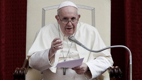 El Papa Francisco pidió «rehabilitar la política» para enfrentar la pospandemia