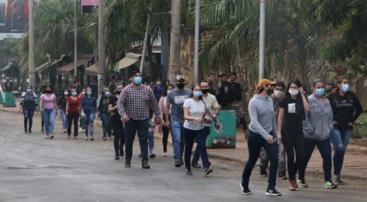 Cerca de 8.000 vehículos ingresaron a Paraguay en el primer día de la apertura del Puente de la Amistad