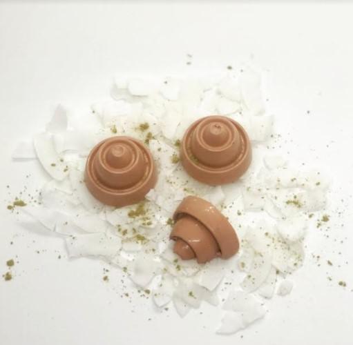 Presentando los bombones con Yerba Mate y sabores de la Tierra Colorada