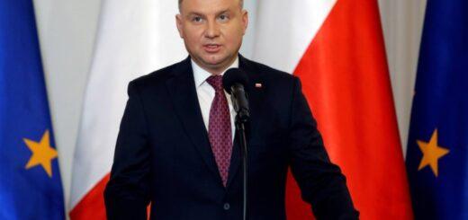 """El presidente de Polonia dio positivo por coronavirus y tras el aumento de casos el país es considerado """"zona roja"""""""