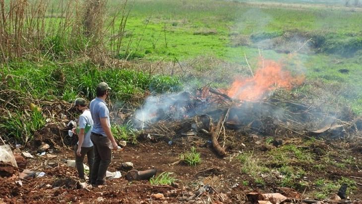 A pesar del riesgo de incendio extremo, detectaron quemas en la zona del barrio A-4 de Posadas