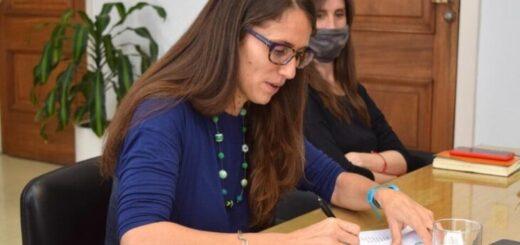 """Elizabeth Gómez Alcorta: """"Trabajamos de manera coordinada con los gobiernos provinciales para que las políticas se implementen territorialmente"""""""