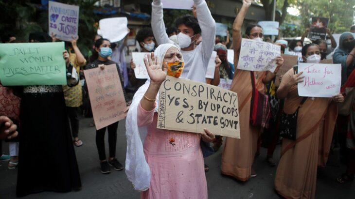 Familiares de una nena violada y asesinada exhibieron su cadáver en la calle a modo de protesta