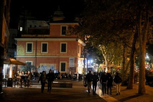Italia: cerrarán las zonas más concurridas de las ciudades para frenar los contagios de coronavirus