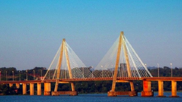 Exclusivo: cuáles serán las medidas para circular por el puente Posadas-Encarnación y cómo es la visión política del intercambio en la frontera