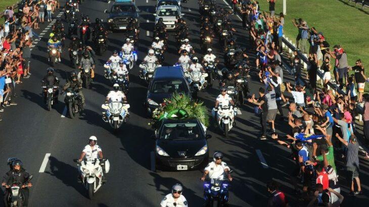 Muerte de Maradona: el ministro de Salud porteño afirmó que desde lo sanitario, lo que pasó en el velorio «no fue bueno»