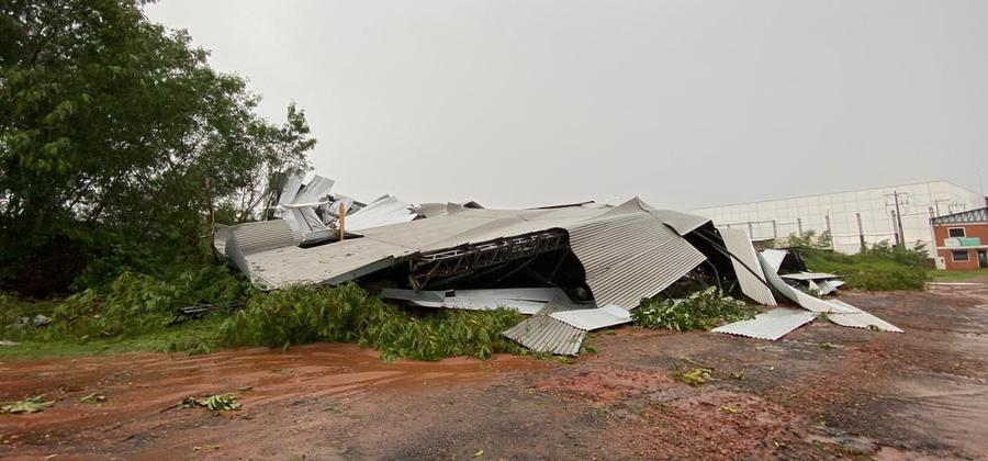 Paraguay: tormenta con fuertes ráfagas de viento causo destrozos en el Aeropuerto Silvio Pettirossi