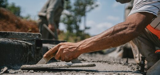 En octubre, 28 municipios recibieron hormigón para construir casi 4.300 metros de cordón cuneta