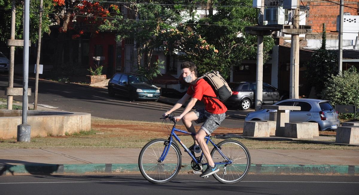 El calor se hizo sentir y los misioneros combatieron las altas temperaturas con una jarra de tereré