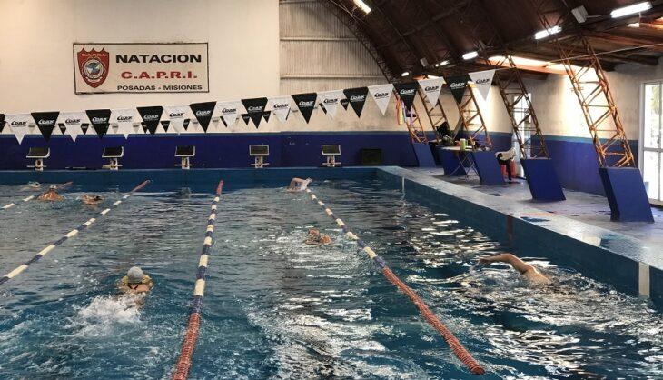 Torneo de natación por streaming: en Misiones lo organiza el CAPRI y los participantes nadarán en las piletas de sus clubes y competirán por YouTube