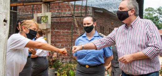 Passalacqua visitó la Unidad Penal V para entregar maquinarias de producción textil junto al ministro Pérez