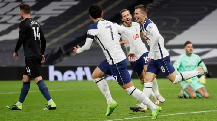 Tottenham Hotspur venció por 2-0 al Manchester City
