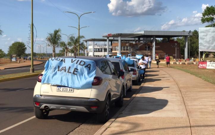 Se realizó una multitudinaria caravana en contra de la ley del aborto legal en Posadas