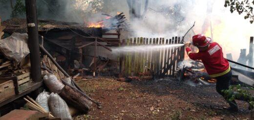 Una carpintería fue consumida por el fuego en Oberá