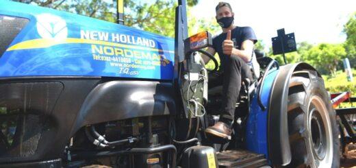Entregaron un tractor para la EFA 1602 de San Pedro
