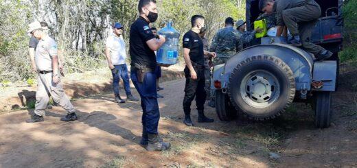 Piden donaciones de agua mineral, medicamentos y frutas para los bomberos que combaten los incendios en Misiones