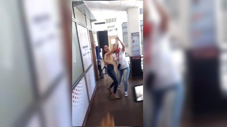 El gobernador de Misiones echó a la funcionaria que se filmó bailando en su oficina sin respetar el distanciamiento