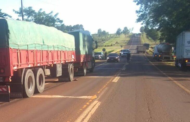 Accidente fatal en Misiones: un hombre perdió la vida al ser embestido por un camión en la ruta Nacional N°12