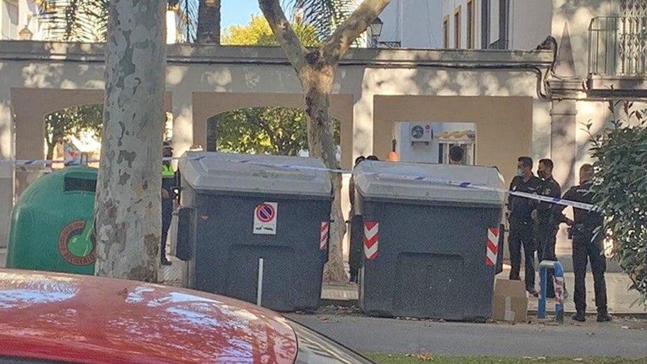 un hombre arrojó la cabeza de un amigo a un contenedor