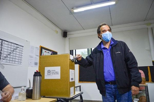 Elecciones municipales en Río Cuarto: el peronista Llamosas se impuso y accedió a su segundo mandato