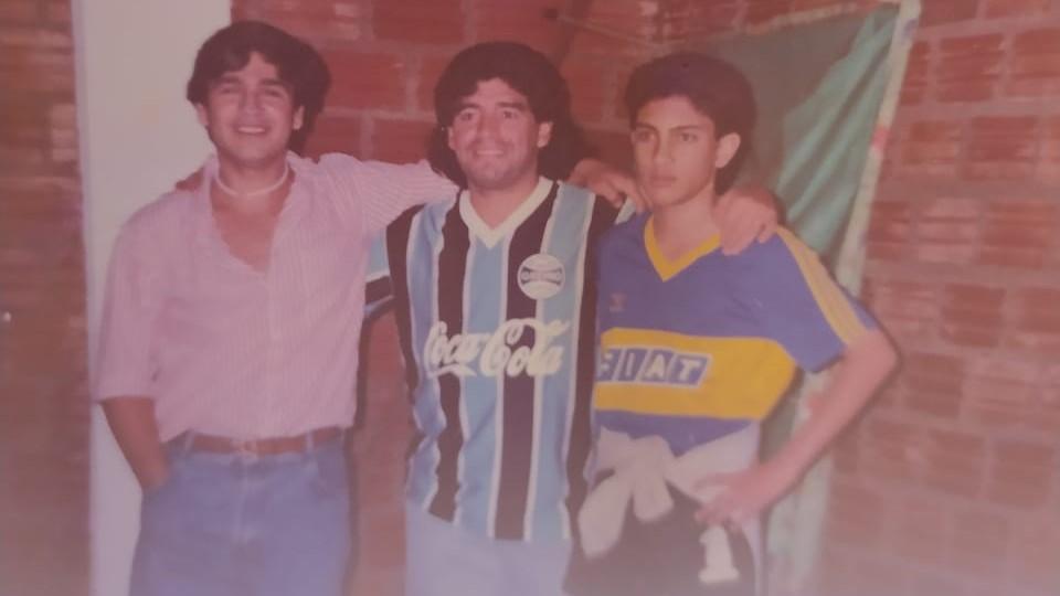 El recuerdo de Maradona en Puerto Iguazú: sus cenas en la casa de la familia Contreras, los regalos que dejó y un paseo por Foz