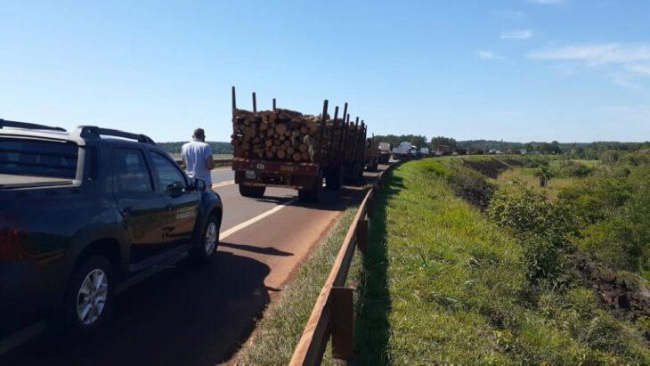 Tabacaleros que piden elevar la Caja Verde a 70 pesos cortaron el tránsito sobre ruta 14 en San Vicente