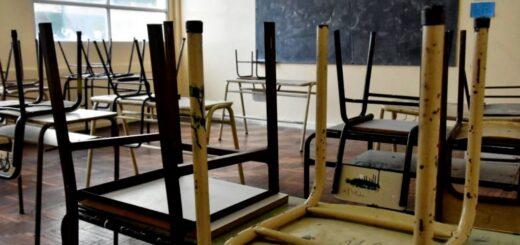 Vuelta a clases presenciales: hoy retornan los alumnos del último año de secundaria a las aulas
