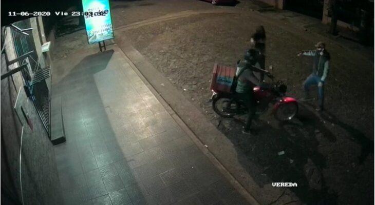 Un repartidor de delivery de una rotisería de Eldorado sufrió un violento asalto a mano armada