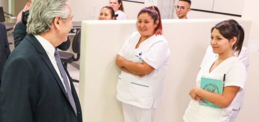 El presidente Alberto Fernández agradeció a los médicos y saludó también a las personas con discapacidad en su día