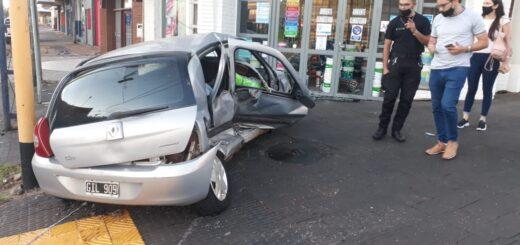 Posadas: el conductor de uno de los autos involucrados en el accidente que murió una mujer tenía alcohol en sangre y quedó detenido