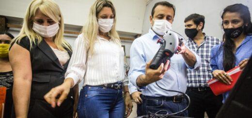 Herrera Ahuad entregó maquinarias y herramientas a emprendimientos familiares de la zona norte