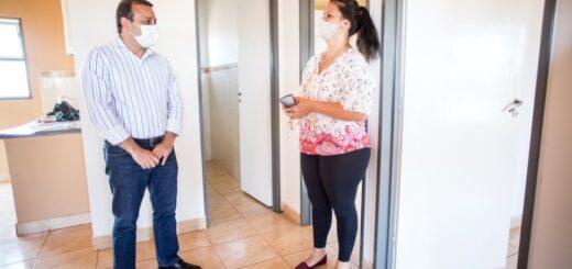 Oscar Herrera Ahuad entregó más de 200 viviendas en Posadas