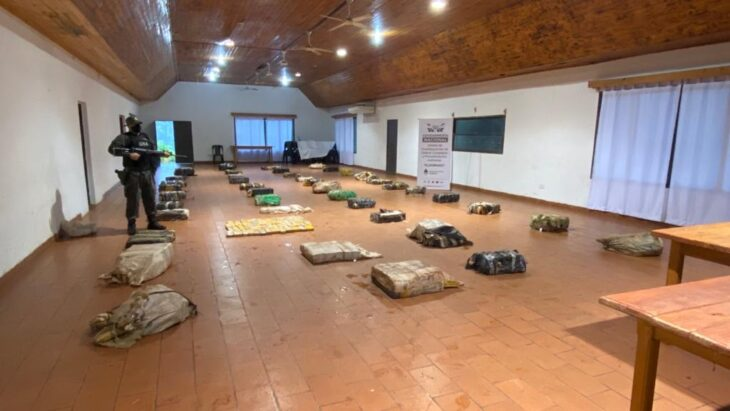 Gendarmería secuestró casi una tonelada de marihuana en Eldorado