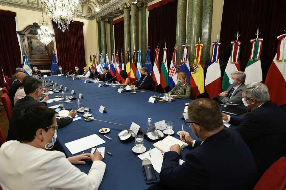Sergio Massa recibió en diputados a los embajadores y embajadoras de la Unión Europea