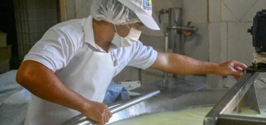 """Con más de 70 inscriptos, culminaron las """"jornadas sobre elaboración de quesos"""""""