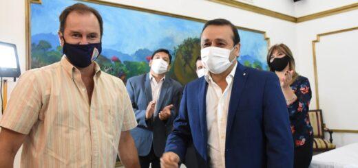 Oscar Herrera Ahuad entregó subsidios a cooperativas de agua para hacer frente a la demanda del verano