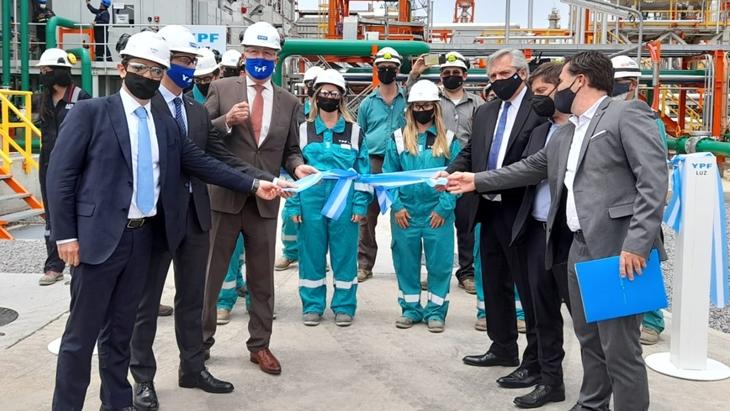 """El Presidente llamó a construir una nueva etapa """"donde YPF siga creciendo para darnos la energía que necesitamos"""""""