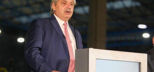 """Alberto Fernández, en Conferencia de la UIA: """"La Argentina se está recuperando, empezó a moverse"""""""