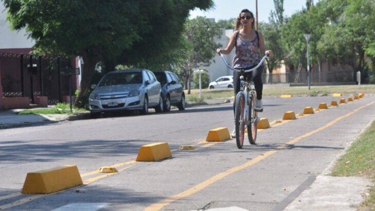 El aumento del tránsito de bicicletas durante la pandemia suma obras de bicisendas en Posadas