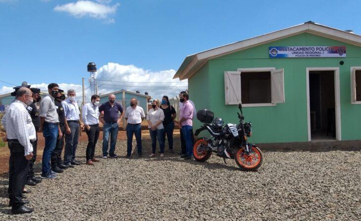 IPRODHA cedió una vivienda mejorada para la Policía en las 508 Viviendas de Itaembé Guazú