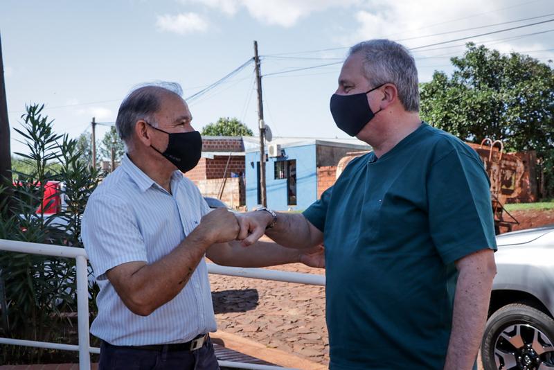 """""""El espíritu misionero se basa en hacer las cosas con ganas y pasión"""", consideró Passalacqua en visita a productores de Bonpland"""