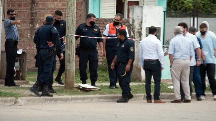 """Conmoción en Santiago del Estero: mató a su hijo y con la sangre escribió en una pared """"perdonen, los amo"""""""