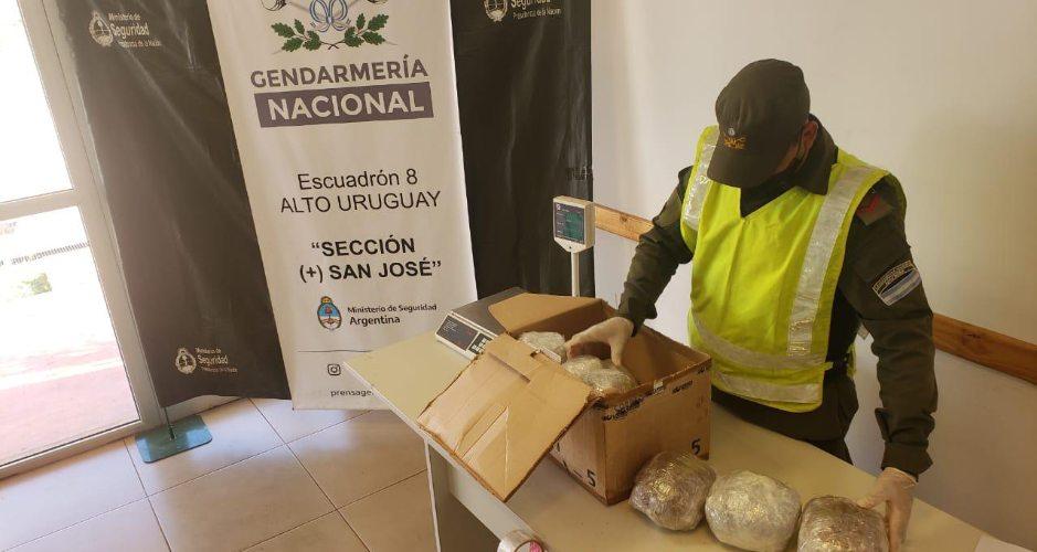 Operativo antidrogas: Gendarmería secuestró casi 38 kilos de marihuana que estaba camuflada como paquetes de encomiendas en Misiones