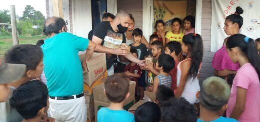 Las estrellas misioneras de fútbol entregaron 2.000 panes dulces y pretenden entregar 20 mil antes de navidad