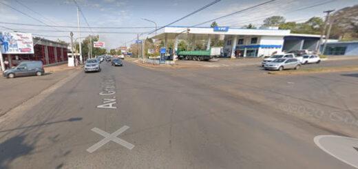 Posadas: una mujer que iba de acompañante en un automóvil falleció tras un despiste y choque contra un cartel