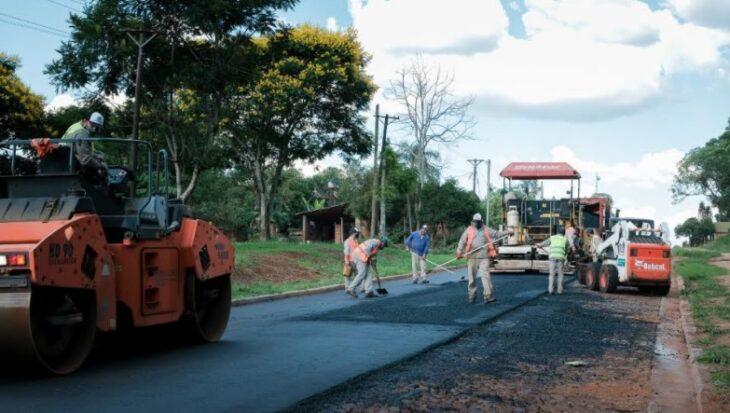 Vialidad de Misiones ejecuta el asfaltado de la avenida Nicanor en San Pedro