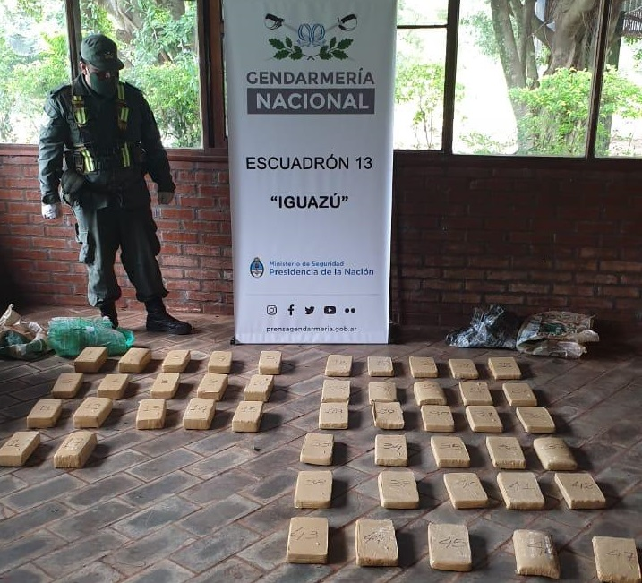 Gendarmería secuestró 46 kilos de marihuana en Puerto Iguazú y hay cuatro hombres detenidos