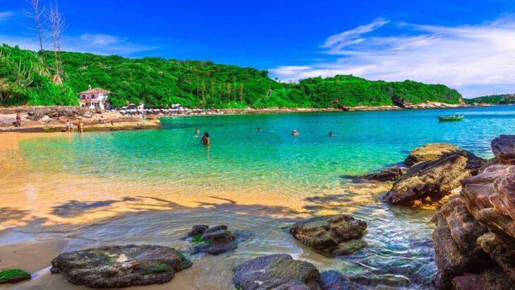 Coronavirus en Brasil: la Justicia le dio 72 horas a los turistas para abandonar Buzios a raíz de un rebrote