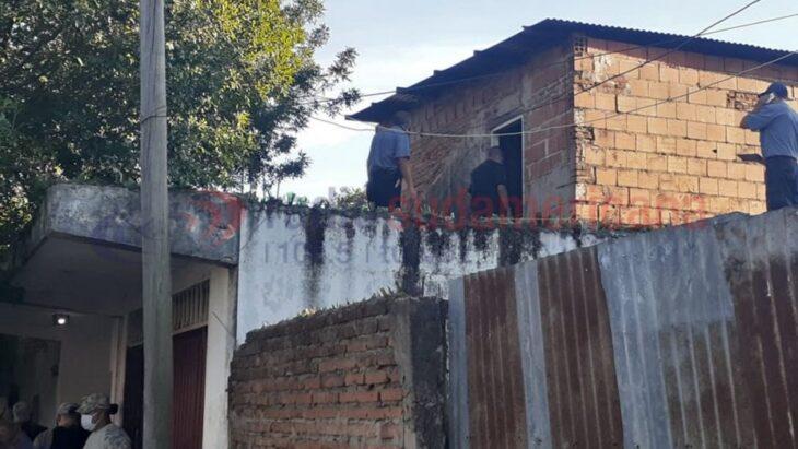Femicidio en Corrientes: un hombre prendió fuego una casa, mató a su ex pareja y a sus hijos de 6 y 4 años